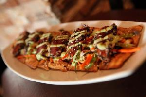 Ahi Tuna Flatbread from Matt the Miller's